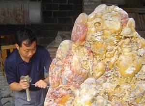 石雕工艺师游杰辉:敢把顽石变奇石