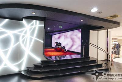 橙电影院 设计师Robert Majkut设计