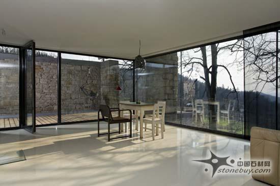 旧石新用 旧仓库变身优雅工作室 - 中国石材设计师网